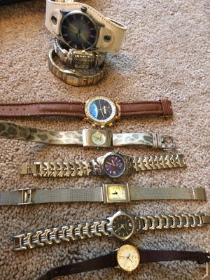 Lot of 9 Watches