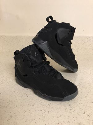 Jordan shoes size 2.5Y ( size 2 y medio )