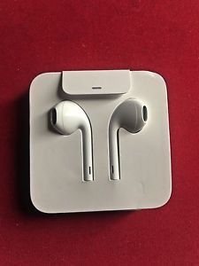 Brand new Apple OEM headset for iPhone 7 & 8