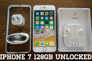 Iphone 7 128GB UNLOCKED w/ Apple Accessories
