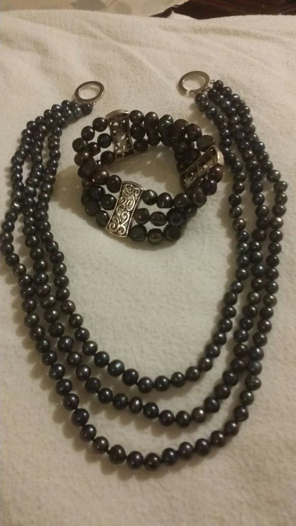 cultured black pearl necklace and brasalet jewelry