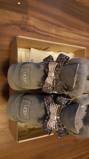 New Authentic Uggs size 9