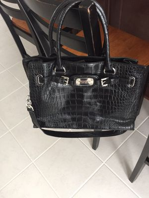 Authentic mk purse almost new