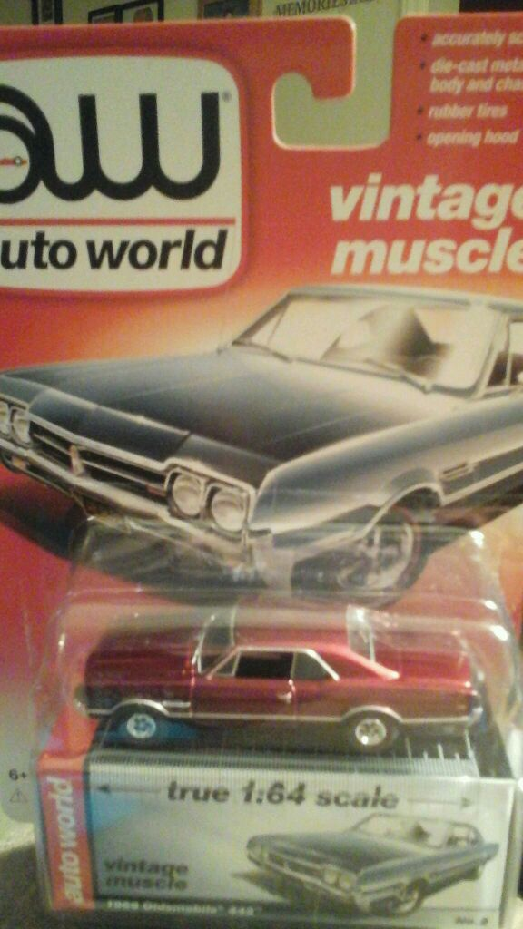 AW Auto World Ultra Red Chase Oldsmobile 442 & Dodge Viper SRT Hot ...