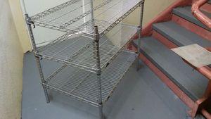 Restaurant storage rack