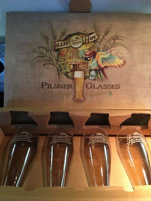 Tommy Bahama Pilsner Glasses New Household In Lynnwood