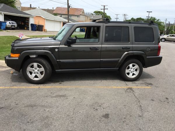 jeep commander 4x4 2007 3rd row seat cars trucks in chicago il offerup. Black Bedroom Furniture Sets. Home Design Ideas