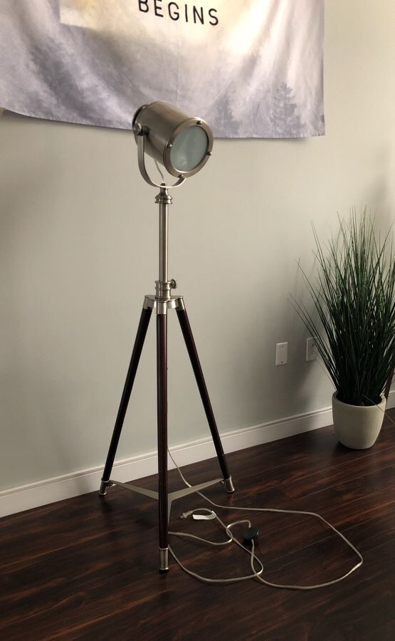 Pottery Barn Photographers Tripod Floor Lamp (Household) in Oakland ...