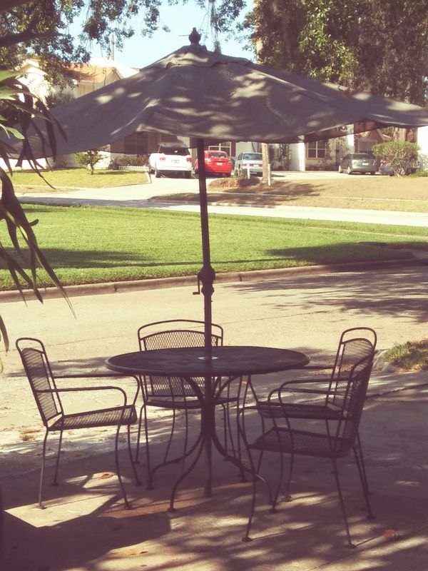 Wrought Iron Table And 4 Chairs Excellent Condition Umbrella Furniture In Sanford Fl Offerup