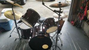 Drum Set, 5 Piece drum, 4 symbol set. Including Zildjian A Custom Symbols, New TAMA throne!