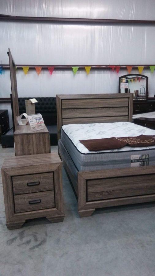 Beechnut 6 PC Queen Bedroom Suite (Furniture) in Cedar Park, TX