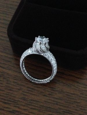 NEW IN BOX. SIZE: 7. Carat: 3. Lab Simulated Diamond. 14k Solid White Gold over Silver. Color D. Clarity VVS1. Lab Simulated Diamond. Diamond coatin