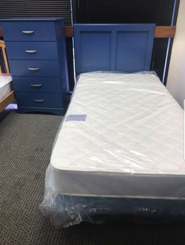 Venta de camas y muebles nuevos (Furniture) in Annandale, VA