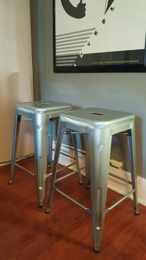 Matching Metal Bar Stools Furniture In Seattle Wa Offerup