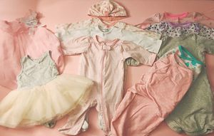 Baby Girl Outfits assortment (size 0-3 months)