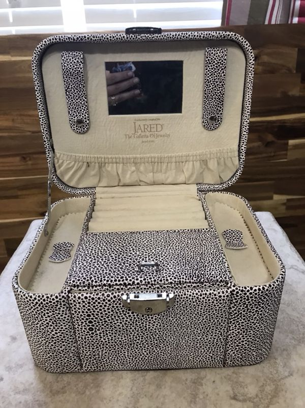 Jared Jewelry Box Jewelry Accessories in Pelion SC OfferUp