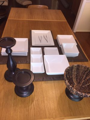 Square Dinner Set of 4 🥇$45