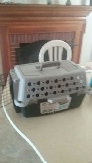 Small dog crate.never used.