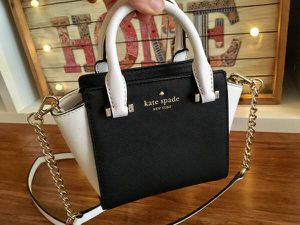 New Authentic Kate spade purse