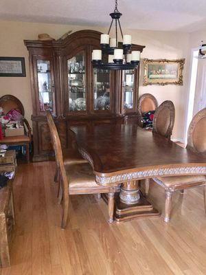 Collezione Europe 9pc Dining Room Set