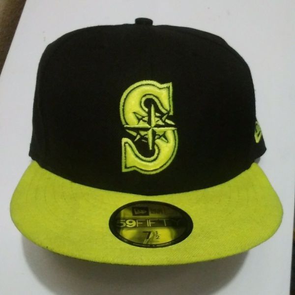 c7c1e2cdf4e Seattle Mariners New Era 59fifty fitted hat size 7 1 2 (Clothing   Shoes)  in Tacoma