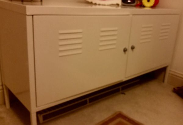 White locker dresser furniture in everett wa offerup for Bedroom furniture 98203