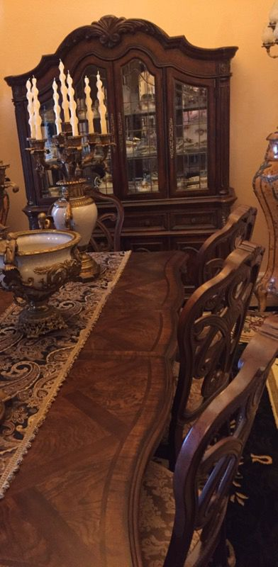 Kevin Charles Regal Collection Dining Room Set With China Gabinete And Table 8 Chairs Antiques In Miami FL