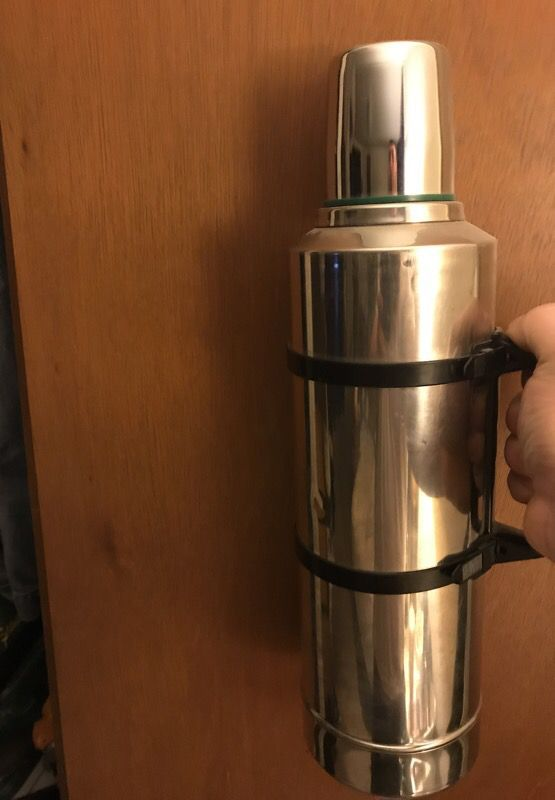 Extra large Stanley thermos (Sports & Outdoors) in Tulalip, WA - OfferUp