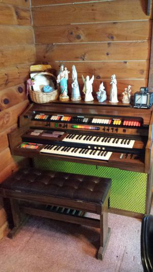 Kimball organ and bench