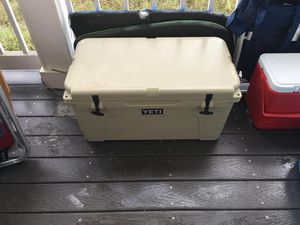 YETI tundra 65 cooler like new