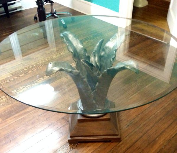 Glass top table furniture in tacoma wa offerup for Bedroom furniture 98409