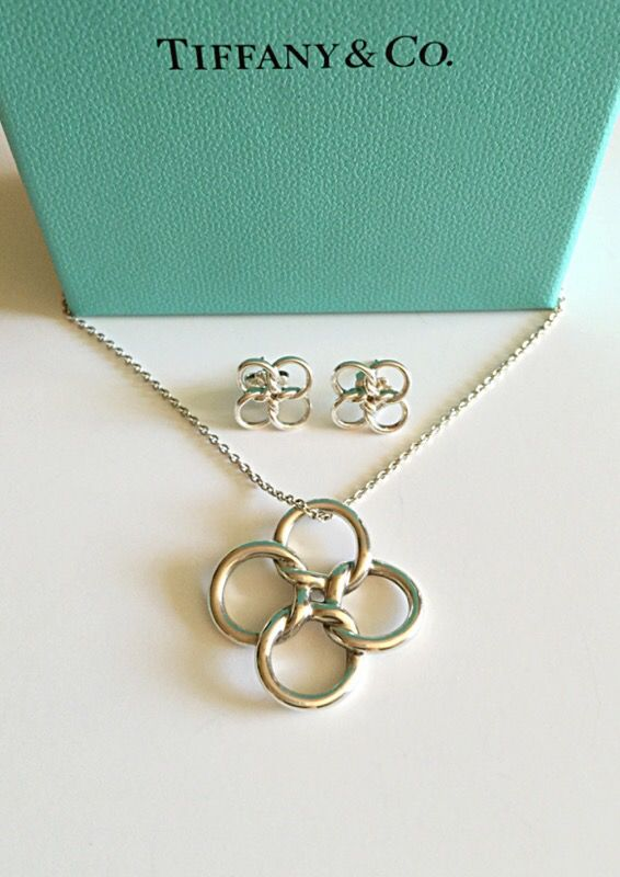 fef69681c ... 💯tiffany co. quadrifoglio set earrings necklace ...