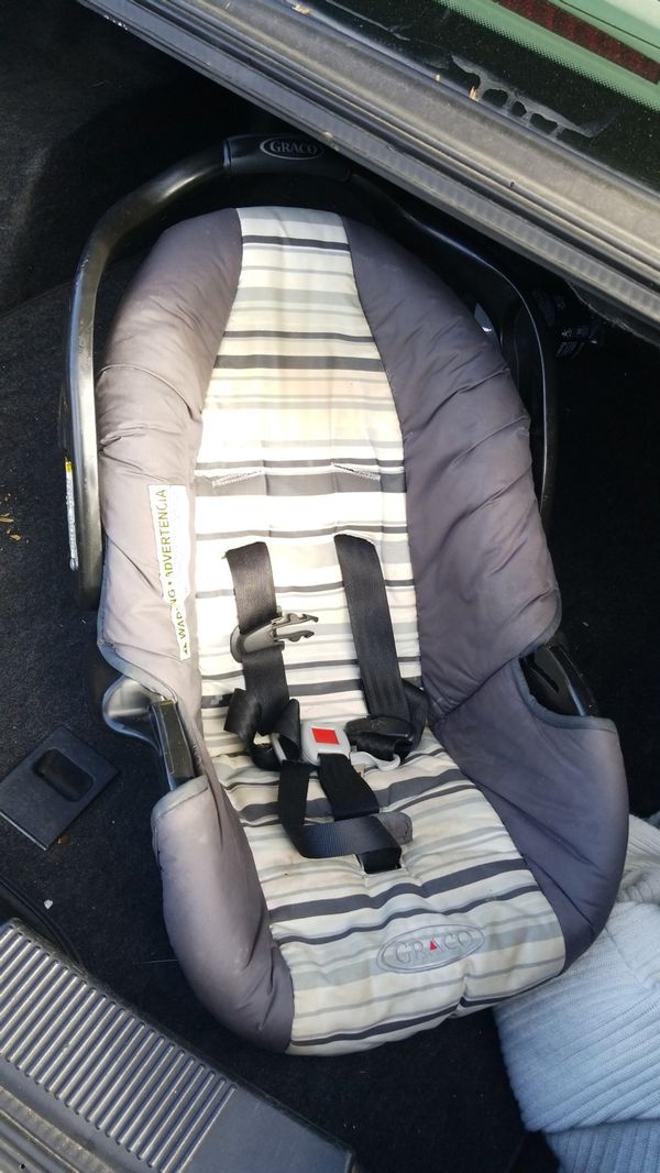Car seat.. no longer need the small one. Selling for $15 I need the