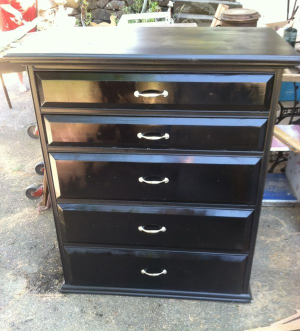 Solid wood dresser furniture in tacoma wa offerup for Bedroom furniture 98409