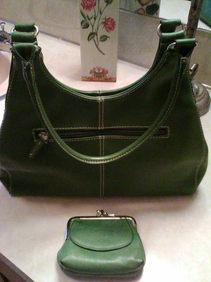 Vintage Olive Green Leather Purse & Coin Wallet