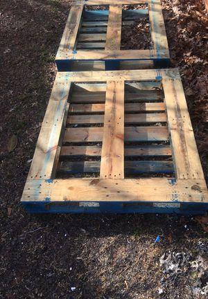 Pallets heavy duty $5 each