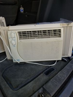 AIR CONDITIONER LIKE NEW