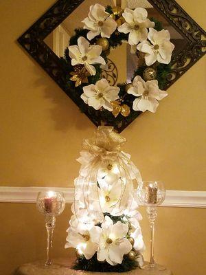 Christmas Wreaths & Decor