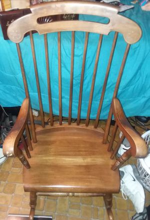 Rocking chair ealy 70s