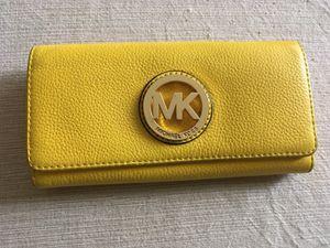 Authentic Michael kors Fulton wallet