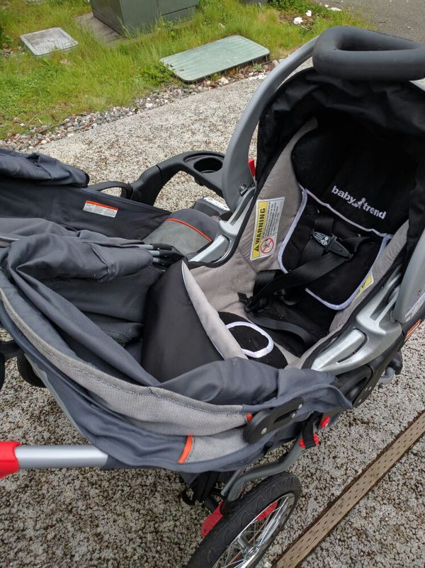 baby trend stroller with car seat baby kids in mill creek wa offerup. Black Bedroom Furniture Sets. Home Design Ideas