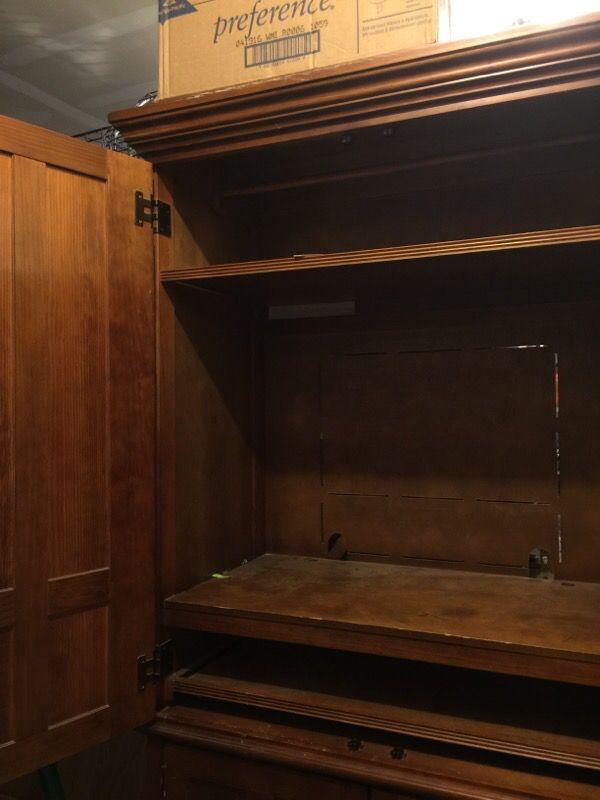 armoire furniture in marysville wa offerup On furniture marysville wa