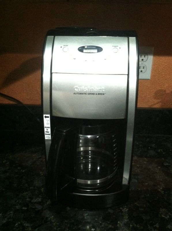 Cuisinart automatic Grind & Brew coffee maker (Appliances) in Snohomish, WA - OfferUp
