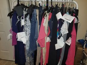 56 pieces maternity clothes L.and XL