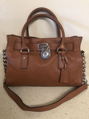 Michael Kors purse ( Authentic)