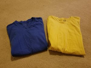 2 tee shirts Size s/p Kids Preowned