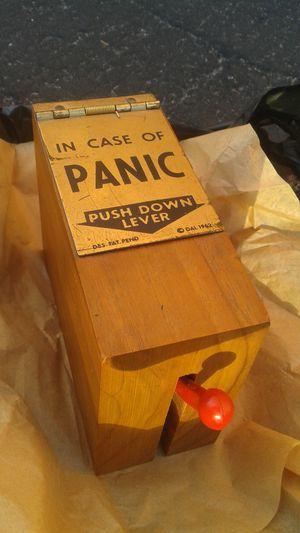 1962 Exec-u-toy Tranquilizer Gift Gag Box
