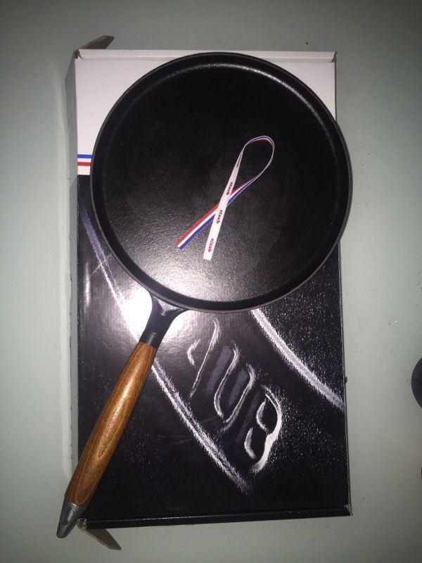 Staub No Stick Crepe Pan 28 Cm 11 In Household In
