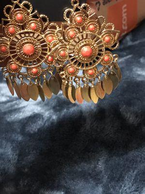 ARDENE brand new earring set hold n orange combination