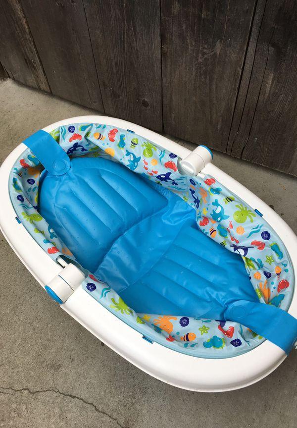 Foldable newborn to infant bath tub (Baby & Kids) in East Palo Alto ...